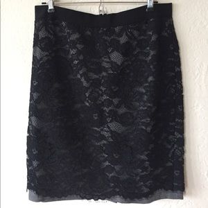 Ann Taylor Loft Black/Gray laced pencil skirt - 8